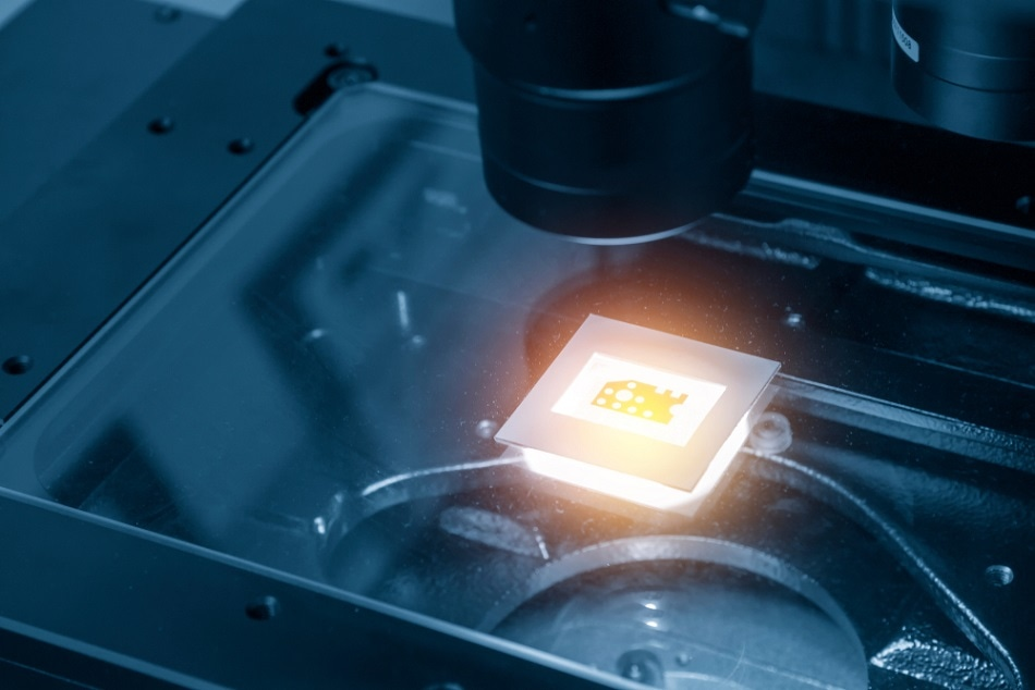 How Could Robotics Help with Microscopy