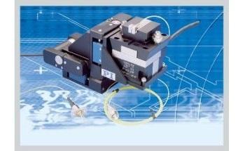 用于PI自动光纤对准的XYZ精密定位系统